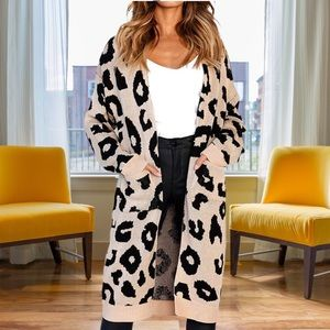 Sweaters - 💋🐆Absolutely Gorgeous Leopard Print Cardigan😳💋